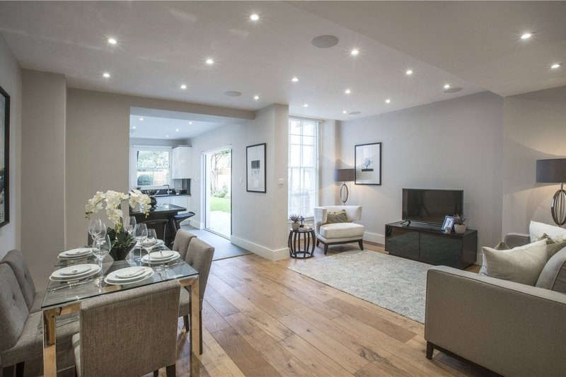 3 Bedroom Flat for sale in St John's Wood, London,  NW8 9DX