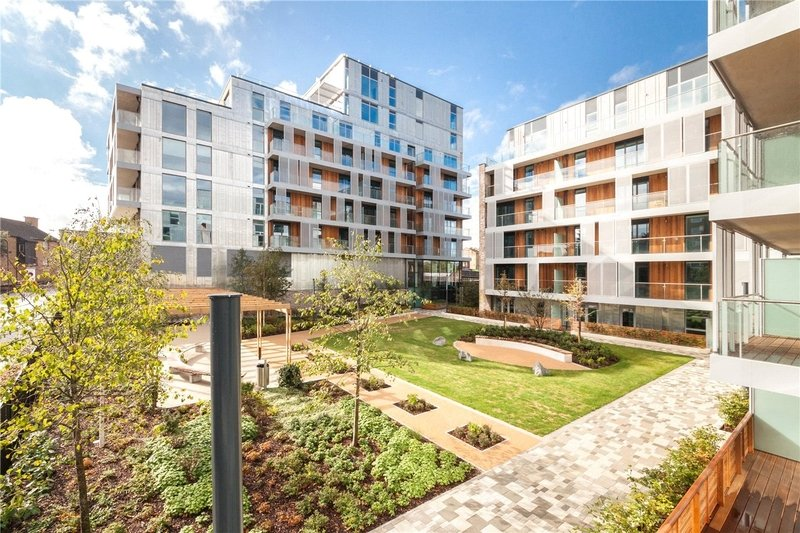 2 Bedroom Flat for sale in 1 Albert Road, London,  NW6 5FS