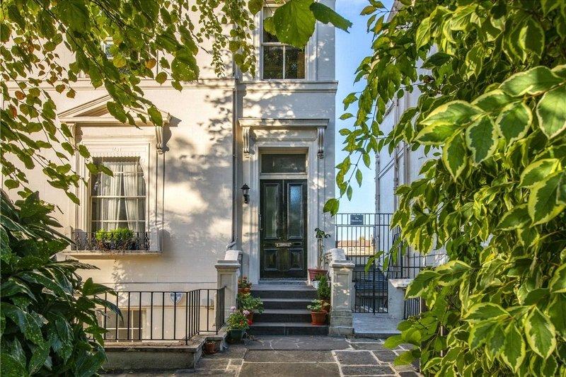 2 Bedroom Flat for sale in Little Venice, London,  W9 2PD