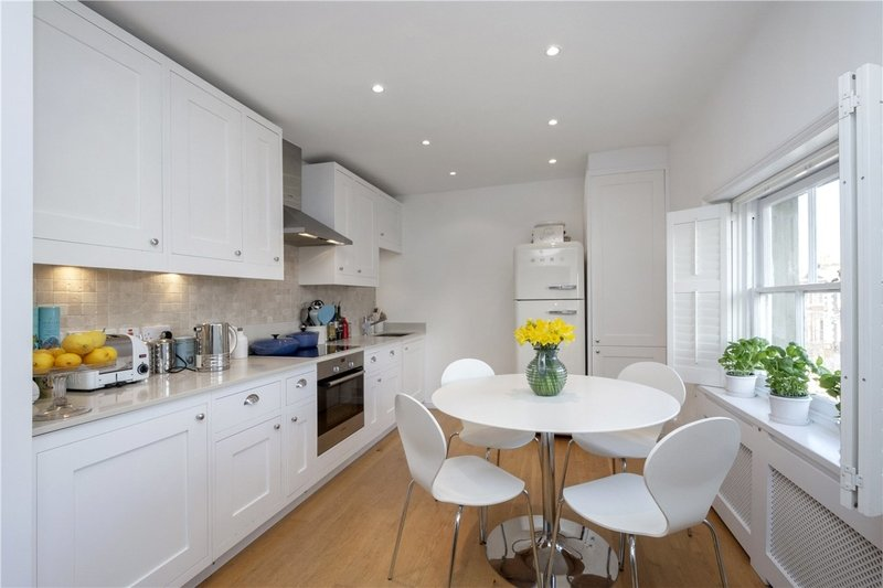 2 Bedroom Flat for sale in St John's Wood, London,  NW8 0JT