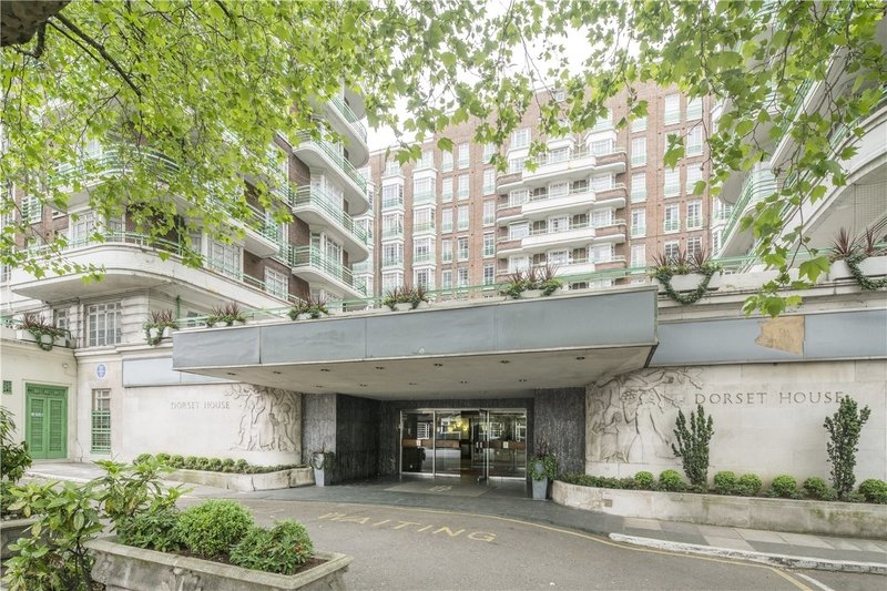 2 Bedroom Flat for sale in Gloucester Place, London,  NW1 5AE