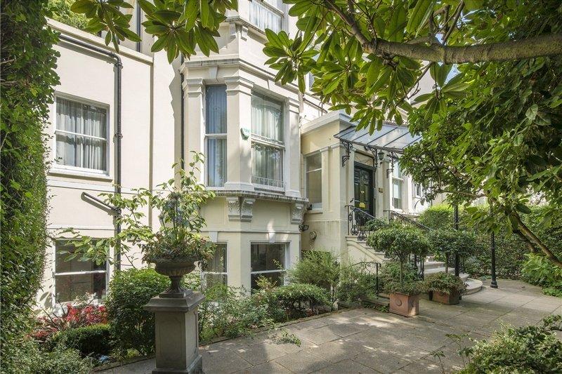 4 Bedroom Flat for sale in St John's Wood, London,  NW8 9UL
