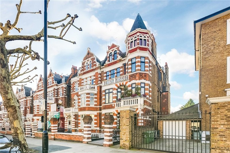 2 Bedroom Flat for sale in St John's Wood, London,  NW8 9QX