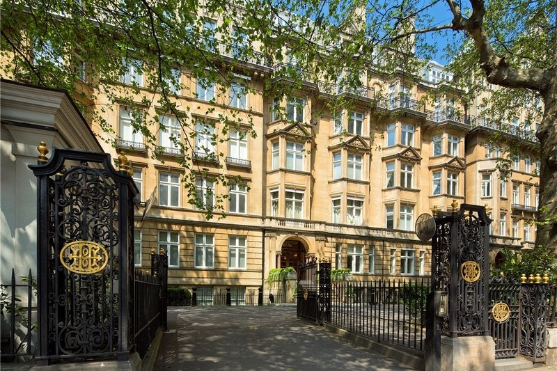 2 Bedroom Flat for sale in Marylebone Road, London,  NW1 5HL