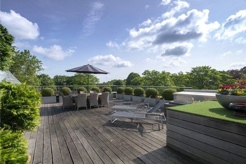 4 Bedroom Flat for sale in 51 West Heath Road, London,  NW3 7TH