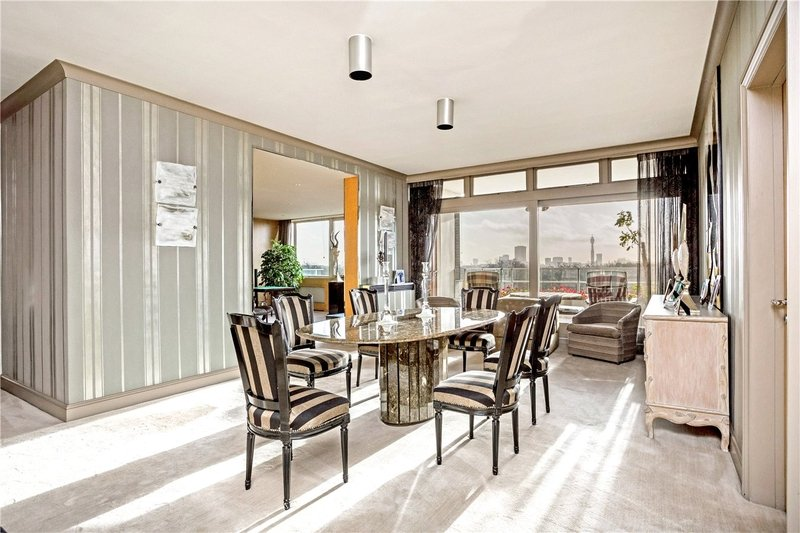 3 Bedroom Flat for sale in Prince Albert Road, London,  NW8 7PT