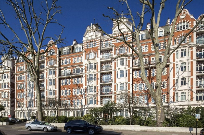 3 Bedroom Flat for sale in Prince Albert Road, London,  NW8 7EJ