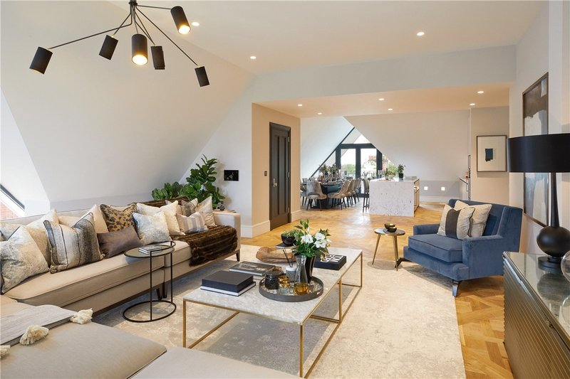 5 Bedroom Flat for sale in 14 Netherhall Gardens, London,  NW3 5TQ
