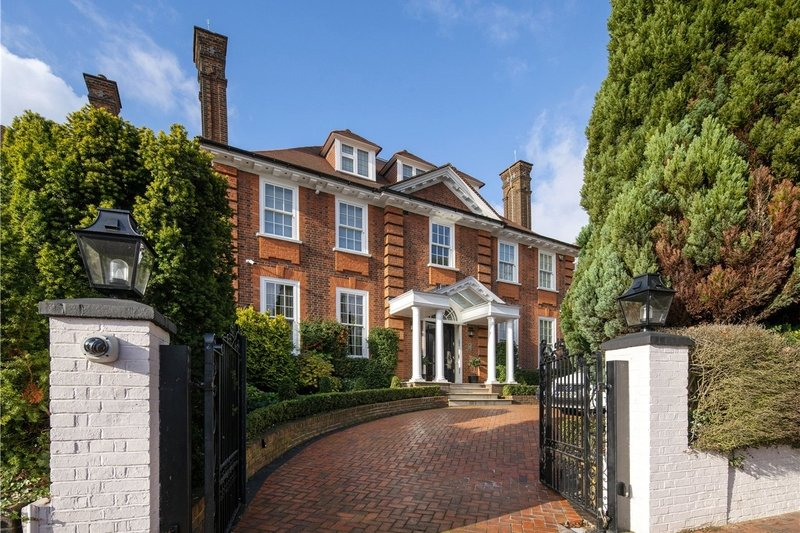 7 Bedroom House for sale in Hampstead, London,  NW3 7RR