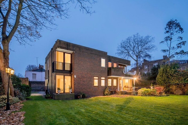 5 Bedroom House for sale in St John's Wood, London,  NW8 0EE