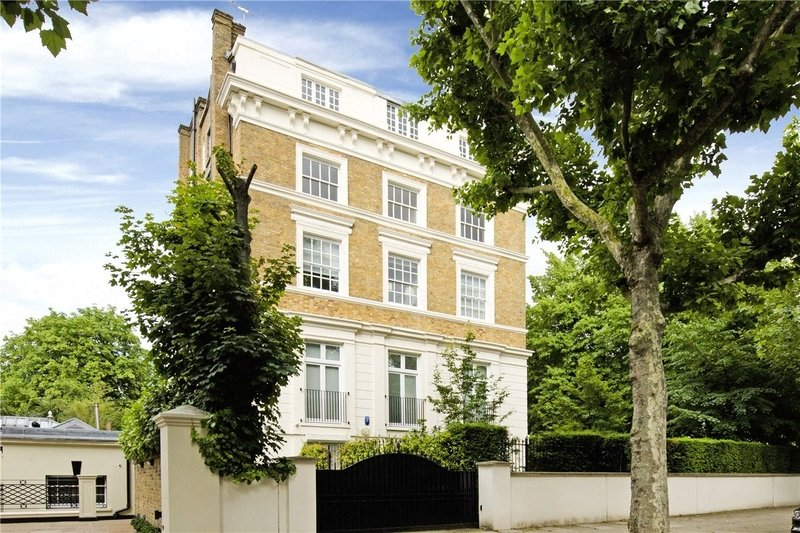 3 Bedroom Flat for sale in 72 Marlborough Place, London,  NW8 0PP