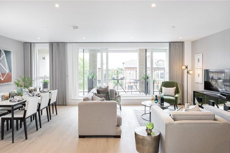 3 Bedroom Flat for sale in Brondesbury, London,  NW6 7YG