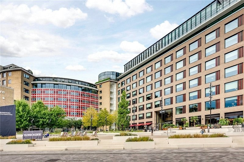 2 Bedroom Flat for sale in The Television Centre, London,  W12 7FA
