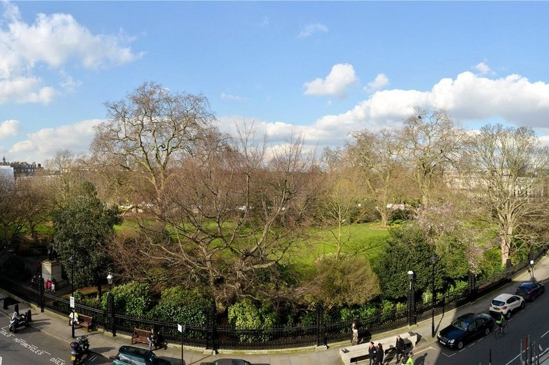 3 Bedroom Flat for sale in Regent's Park, London,  W1B 1PG