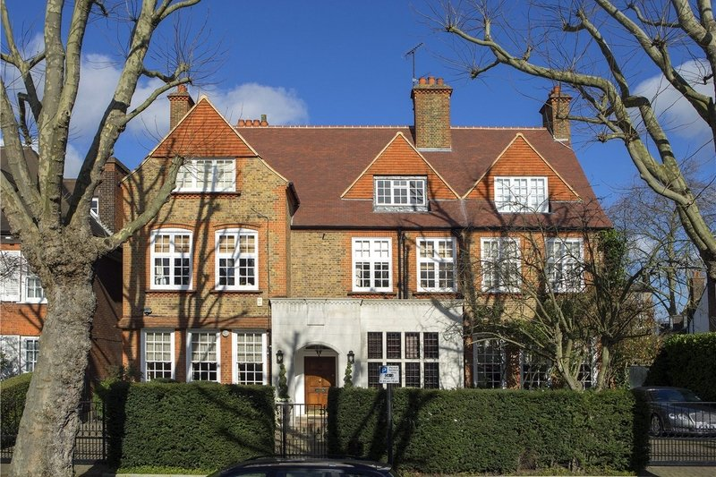 5 Bedroom Flat for sale in Primrose Hill, London,  NW3 3DN