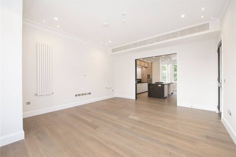 4 Bedroom Flat to rent in London, London,  NW3 6AA