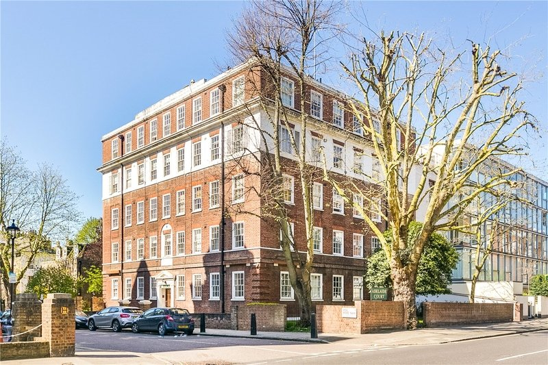 2 Bedroom Flat to rent in Abbey Road, London,  NW8 9AE