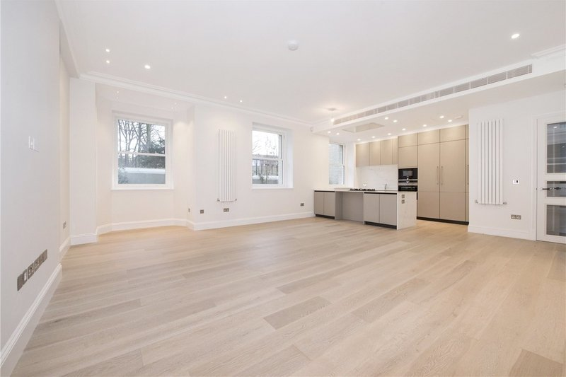 3 Bedroom Flat to rent in Hampstead, London,  NW3 6AB