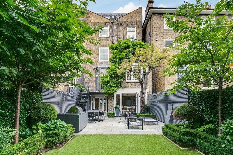 5 Bedroom House to rent in London, London,  NW8 0EN
