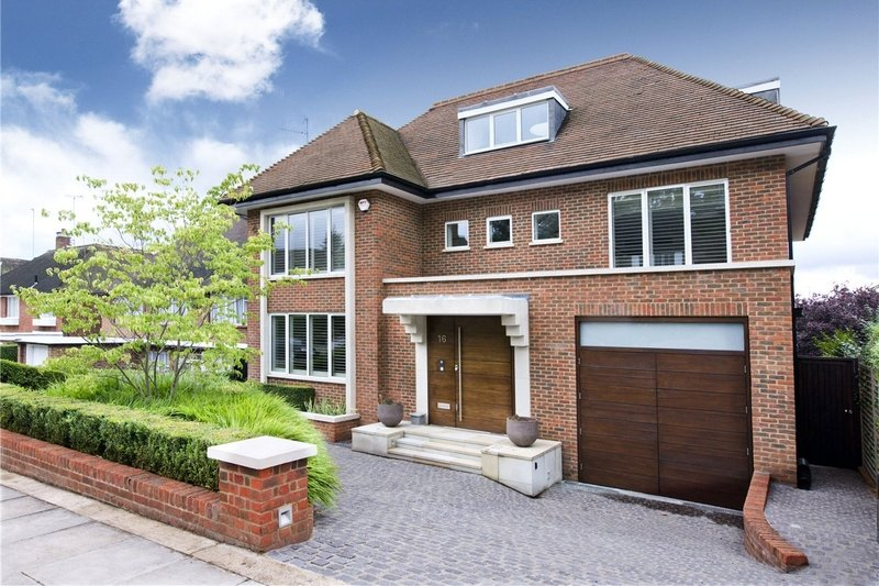 7 Bedroom House to rent in London, London,  N2 0RP
