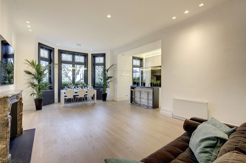 3 Bedroom Flat to rent in London, London,  NW8 9QX