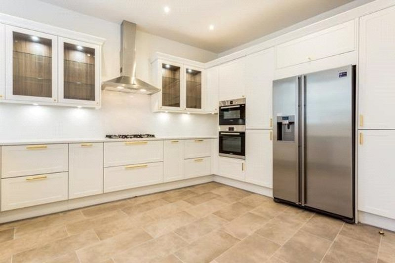 3 Bedroom Flat to rent in Park Road, London,  NW1 4SJ