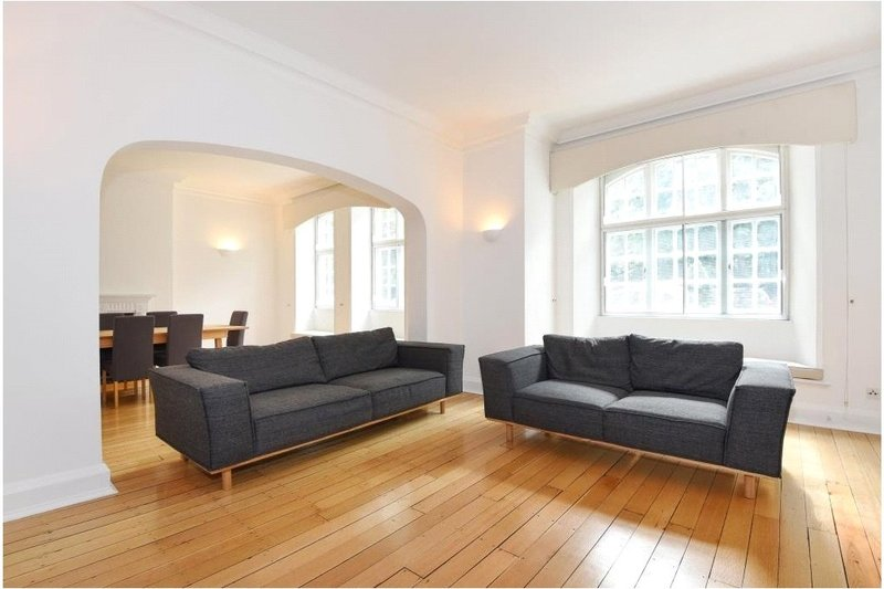 4 Bedroom Flat to rent in St Johns Wood High Street, London,  NW8 7DY
