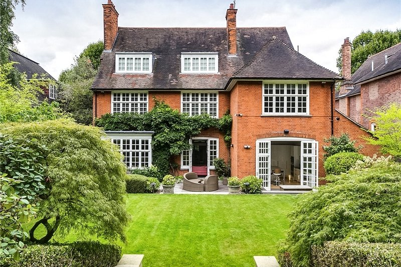 7 Bedroom House to rent in London, London,  NW3 7SB