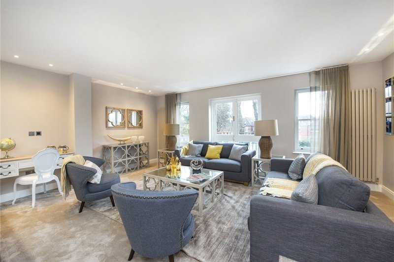 3 Bedroom Flat to rent in Hampstead, London,  NW3 5PB