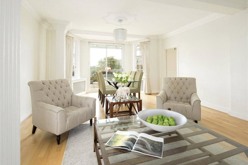 4 Bedroom Flat to rent in Grove End Road, London,  NW8 9SB