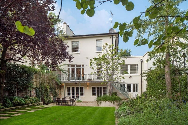 4 Bedroom House to rent in St Johns Wood, London,  NW8 6HG