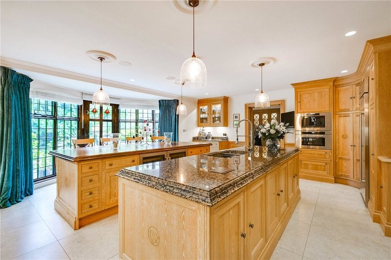 9 Bedroom House to rent in London, London,  NW3 7RP