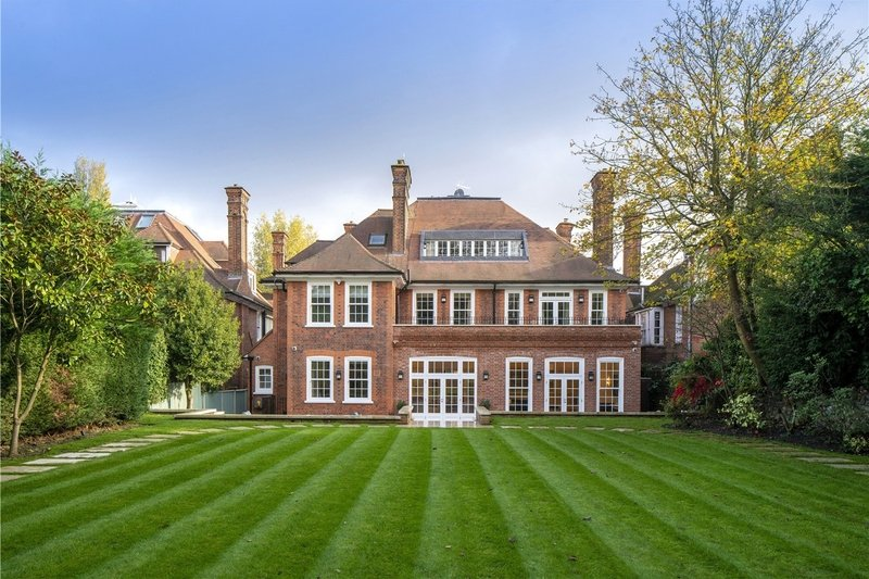 7 Bedroom House to rent in London, London,  NW3 7RR