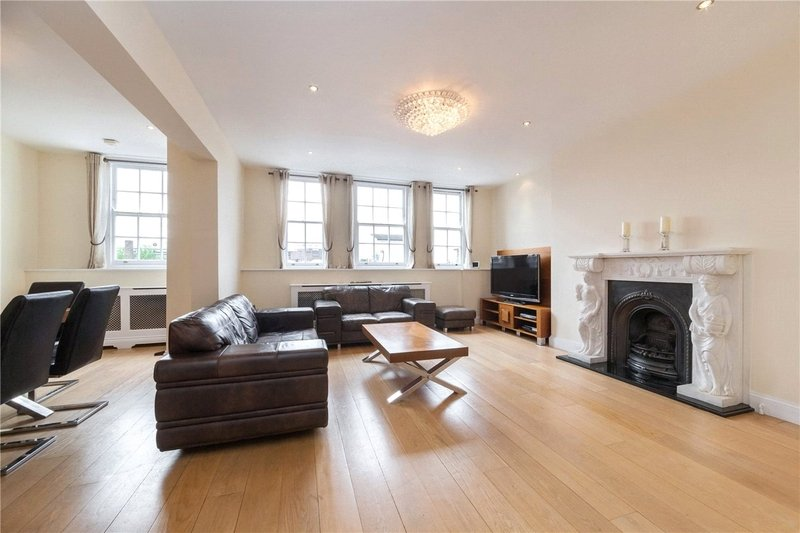3 Bedroom Flat to rent in Avenue Road, London,  NW8 6DD