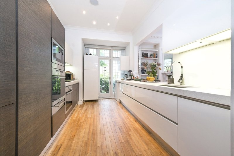 5 Bedroom Flat to rent in London, London,  NW3 7UY