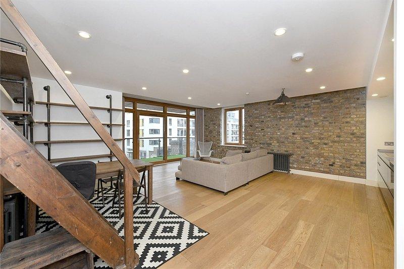 2 Bedroom Flat to rent in 30 Oval Road, London,  NW1 7DE