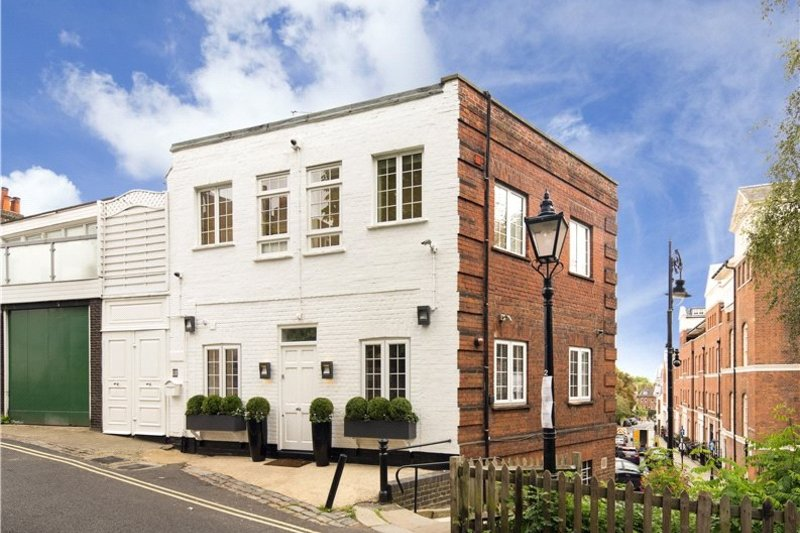 2 Bedroom Flat to rent in Hampstead Village, London,  NW3 6ST