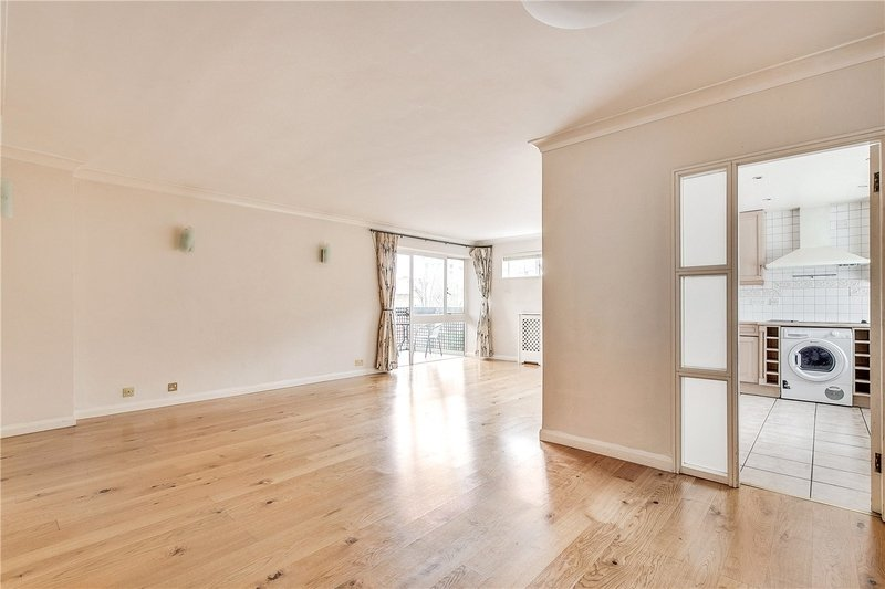 3 Bedroom Flat to rent in Avenue Road, London,  NW8 6JB