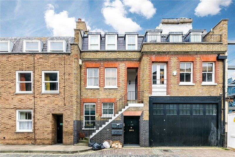 3 Bedroom Flat to rent in London, London,  W1G 7DX