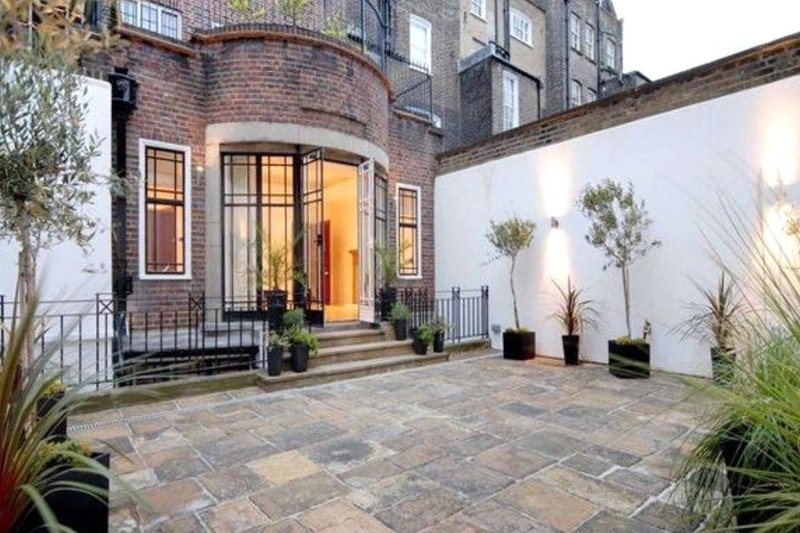 8 Bedroom House to rent in London, London,  W1G 7BR