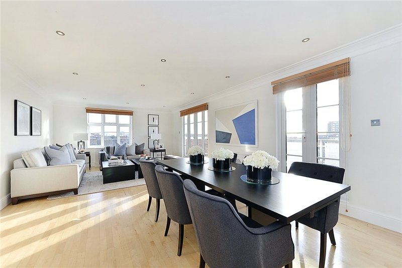4 Bedroom Flat to rent in 6 Hall Road, London,  NW8 9PB