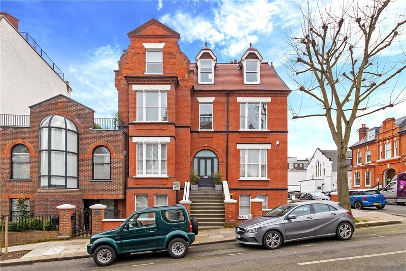 3 Bedroom Flat to rent in Hampstead, London,  NW3 1SA